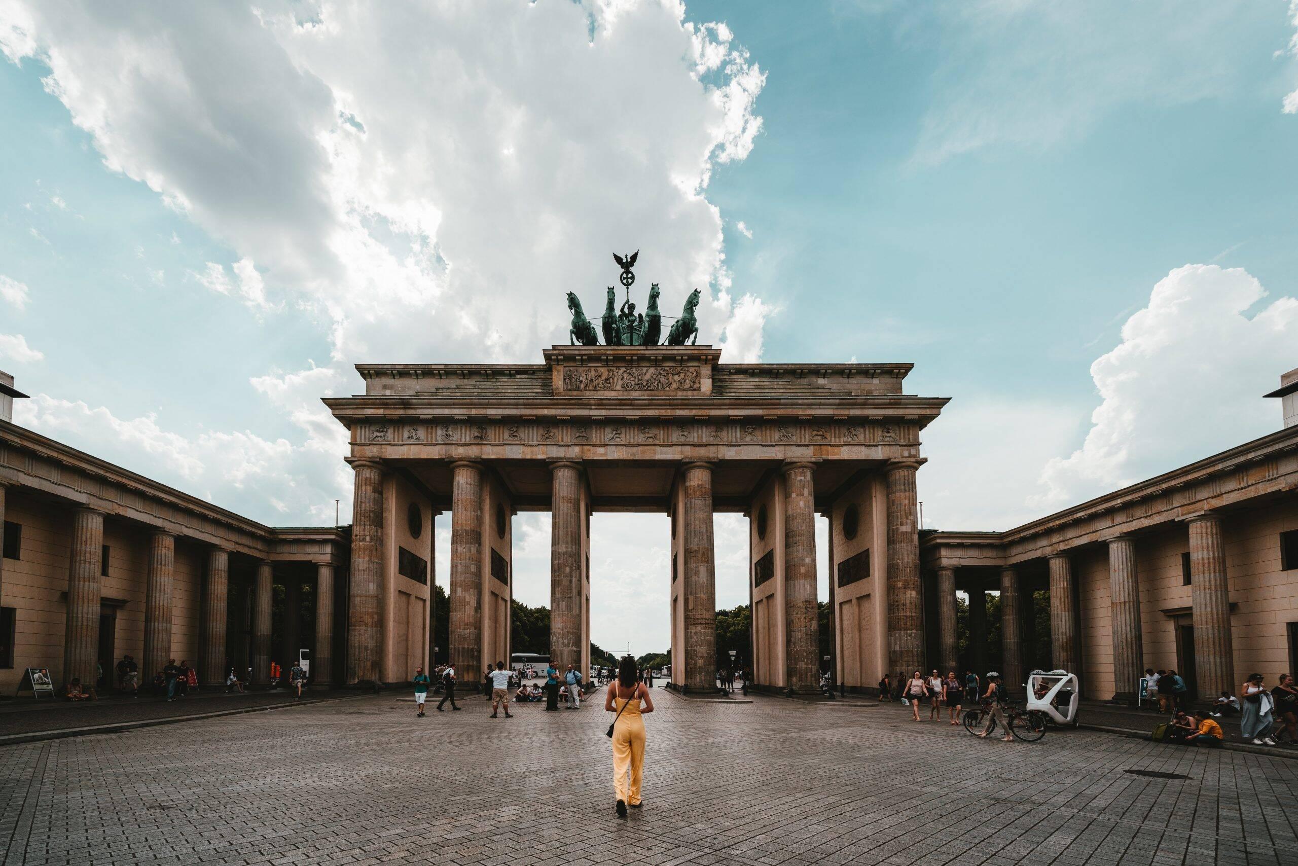Berlim: Europa reabre fronteiras para turistas estrangeiros