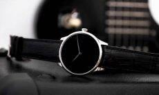 Esse relógio de luxo é feito com material mais escuro do mundo