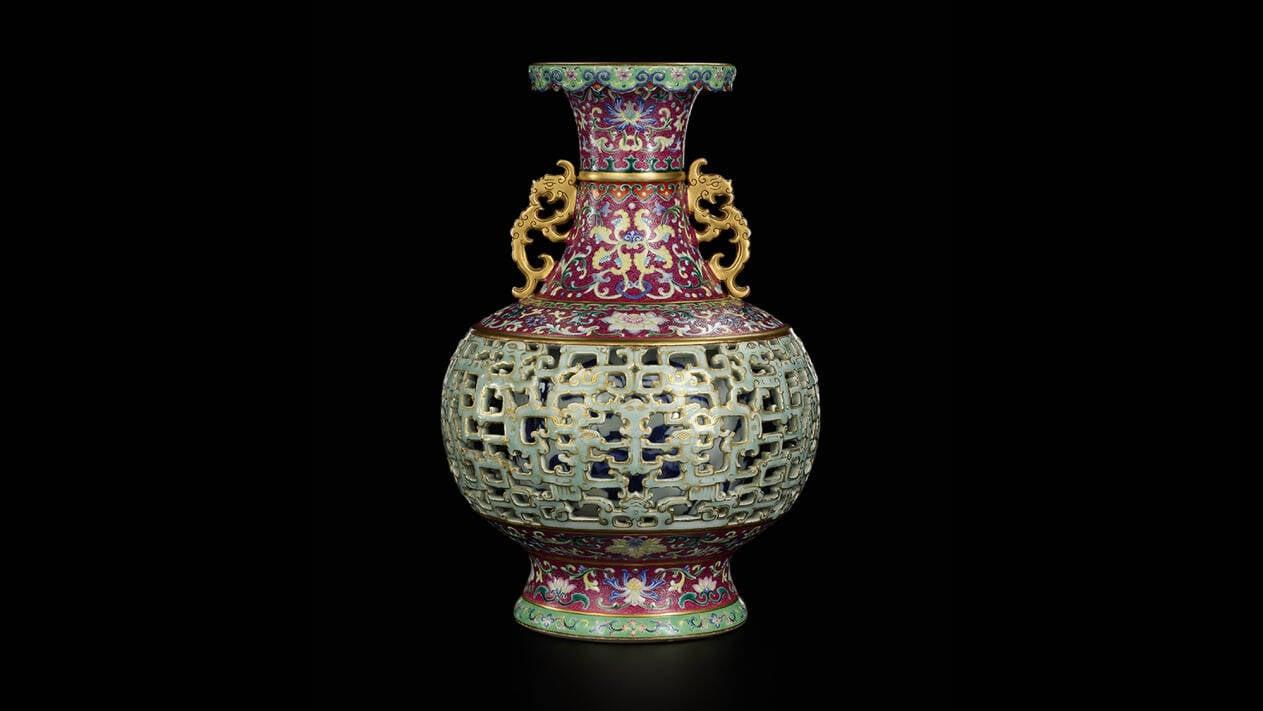 Vaso chinês que já custou R$ 300 é vendido por R$ 48 milhões em leilão