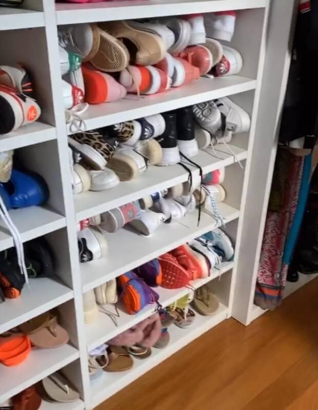 Gkay fica impressionada com closet gigante de Anitta: 'Dá para marcar uma corrida aqui'