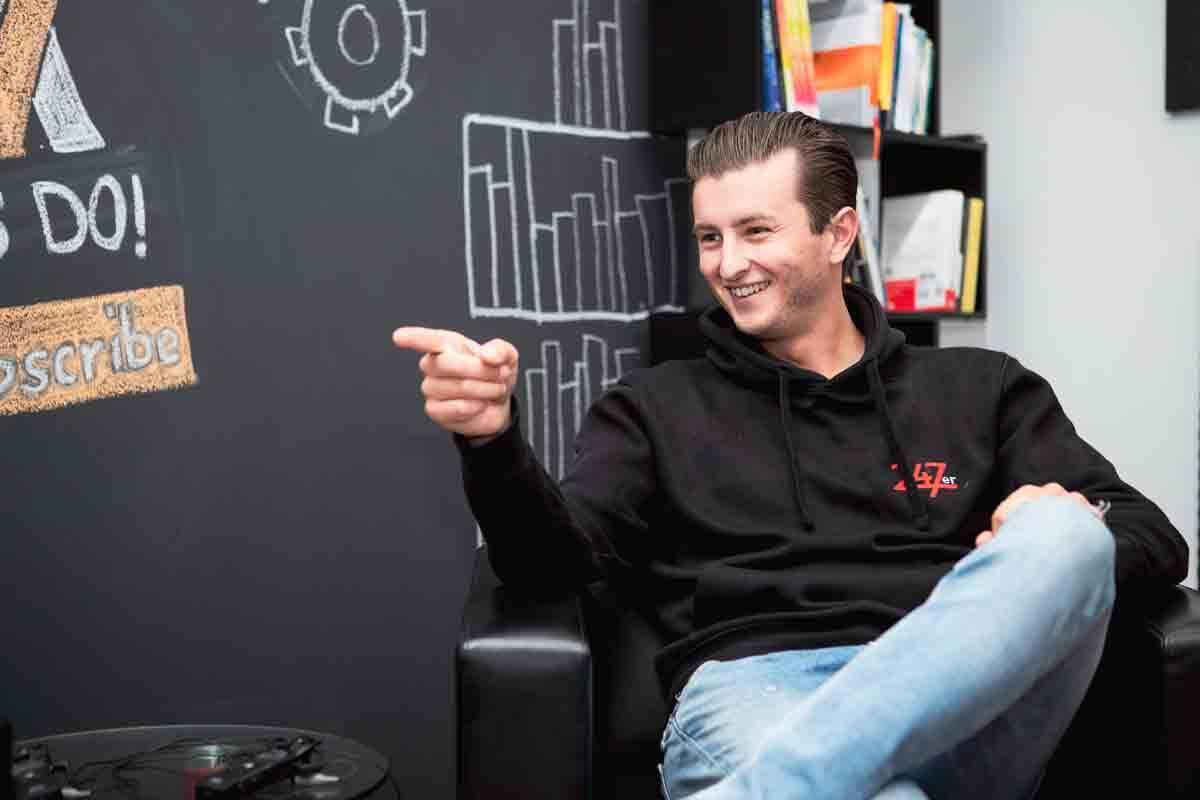 Conheça Paul Funk: influenciador conhecido como lobo do desenvolvimento pessoal, revolucionou o mercado de coaching. Foto: Divulgação