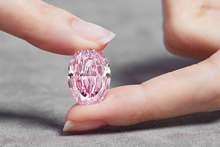 Diamante rosa raro pode ser leiloado por US$ 38 milhões