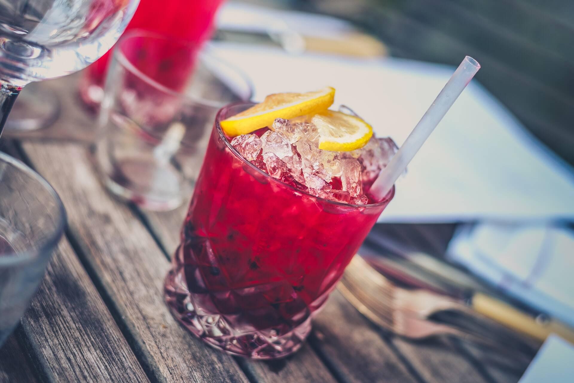Melhores bares de hotel do mundo e seus drinks mais famosos