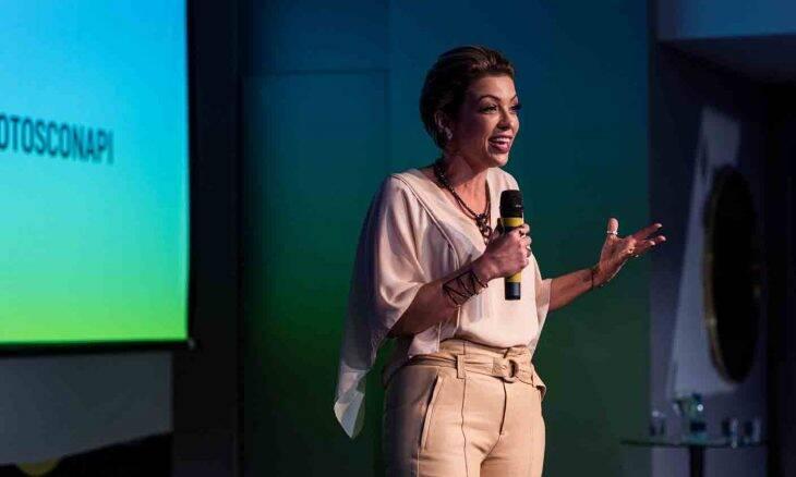 A Consultora de Imagem Juliana Bacellar, mostra que uma Imagem vale mais do que mil palavras e também pode valer muito dinheiro. Foto: Divulgação