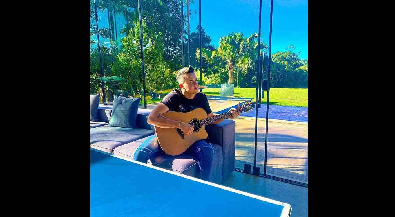 Com mais de 800 músicas gravadas por inúmeros artistas famosos, conheça o sucesso do compositor Junior Gomes. Foto: Divulgação