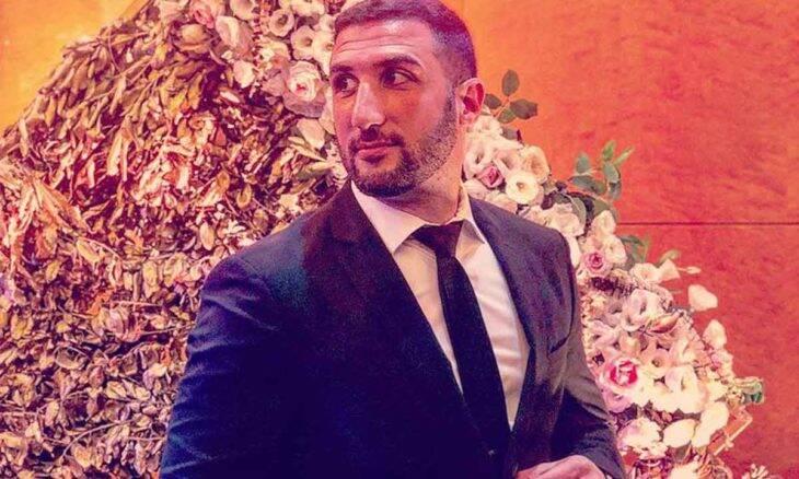 Conheça Omar Hajmurad, o Doutor Ohaj: médico anestesiologista que faz sucesso fabricando pulseiras personalizadas. Foto: Divulgação