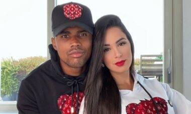 Douglas Costa e Nathália Félix, que vão se casar no próximo dia 1. Fotos: Reprodução/Instagram