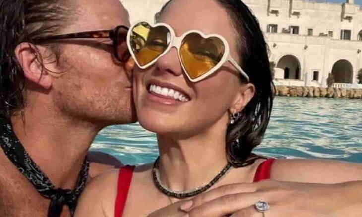 Sophia Bush mostra anel de noivado. Fotos: Reprodução/Instagram
