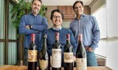 Os sócios Lellis, Arruda e Oliveira, com algumas raridades do portfólio. Foto: Divulgação/Wine Trader