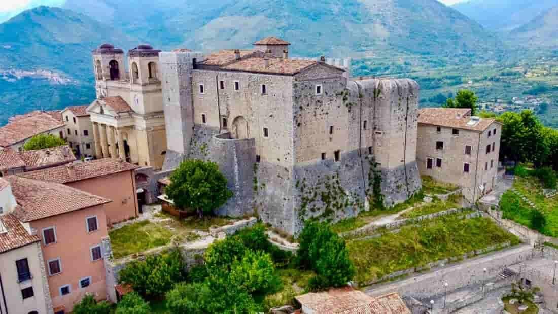 Maenza, na Itália, tem casas à venda por 1 euro. Foto: Divulgação/Comune Maenza
