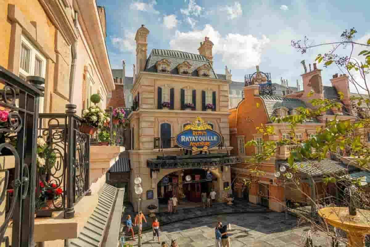 Novo setor do parque da Disney, dedicado ao filme Ratatouille. Imagens: Divulgação/ Walt Disney World