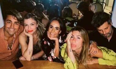 Grazi Massafera entre os casais, Ricardo e Francisca Pereira; e Giovanna e Bruno Gagliasso. Foto: Reprodução/Instagram