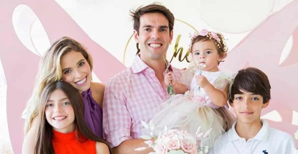 Kaká e família celebram 11 meses de Esther. Fotos: Reprodução/Instagram