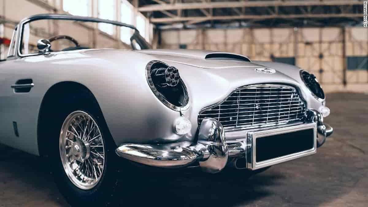 Aston Martin DB5 do James Bond para crianças. Fotos: Divulgação/The Little Car Company