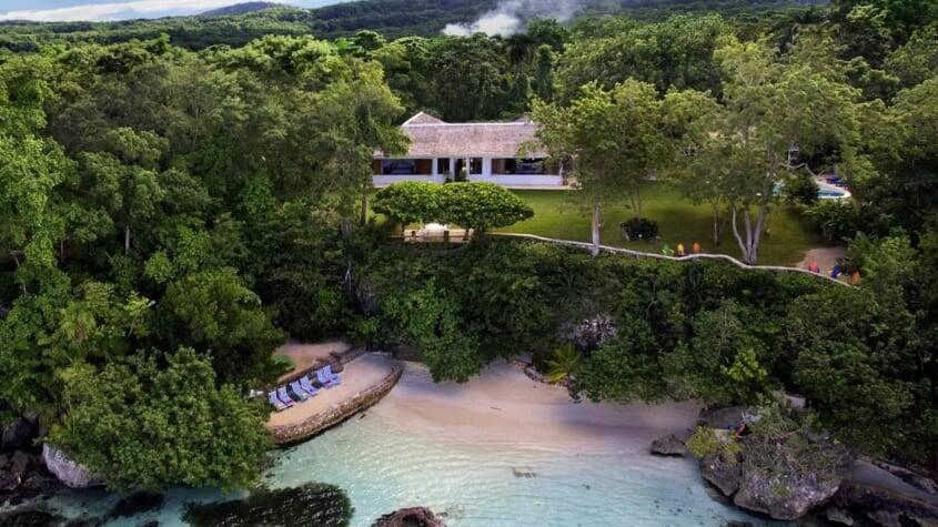 Propriedade jamaicana de Ian Fleming GoldenEye. Foto: Divulgação/ Visit Jamaica