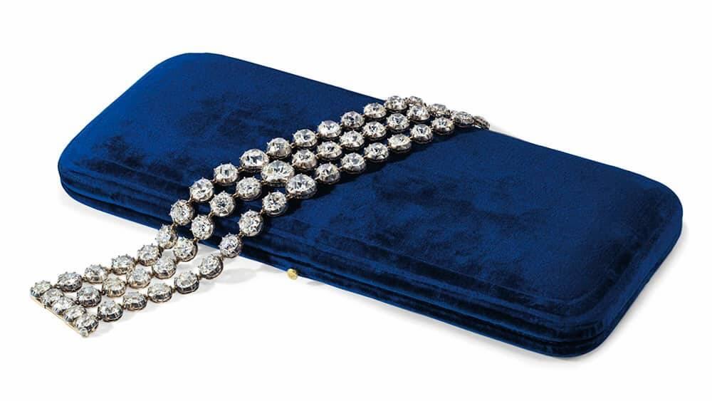 Par de braceletes com diamantes de Maria Antonieta. Foto: Divulgação/ Sotheby's