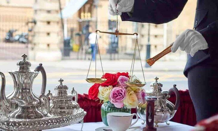 O chá mais caro do Reino Unido, servido no The Rubens, no Palácio de Buckingham. Foto: Divulgação/ The Rubens at The Palace